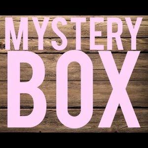 6 PIECE MYSTERY BOX